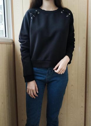 Чёрный свитшот толстовка свитер