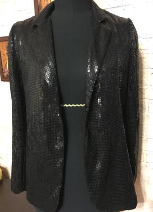 Пиджак в черные пайетки