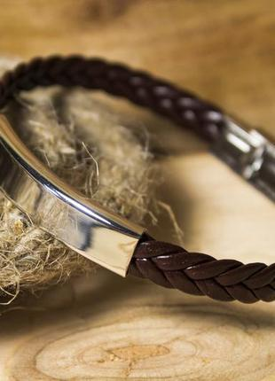 Кожаный плетеный браслет brown с гравировкой
