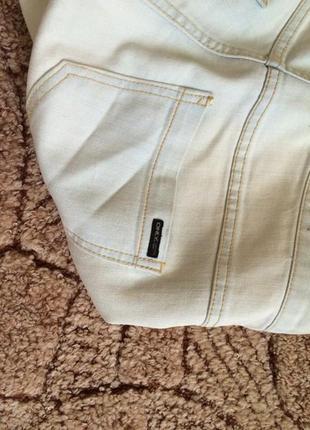 Светлые джинсы only