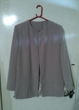 Нарядный и повседневный,двусторонний пиджак-жакет,бол.52-54 разм. и 90% одежды батал