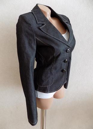 Пиджак на пуговицах серый в мелкую полоску s.oliver размер 40-42 как новый