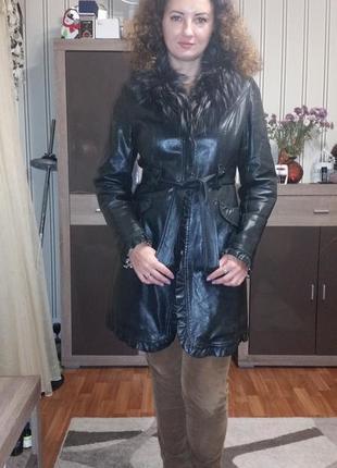 Плащ пальто
