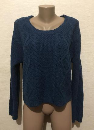 Актуальный укороченный свитер оверсайз со спущенными плечами и красивым узором