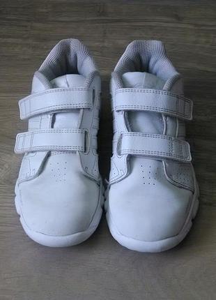 Классные кроссовки adidas орыгинал
