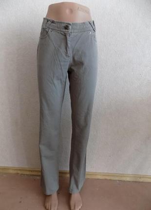 Джинсы бежевые со стразами и вышивкой фирменные размер 46