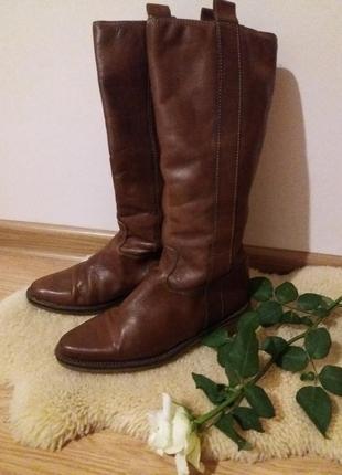 Продам стильные сапоги из натуральной кожи коричнего цвета