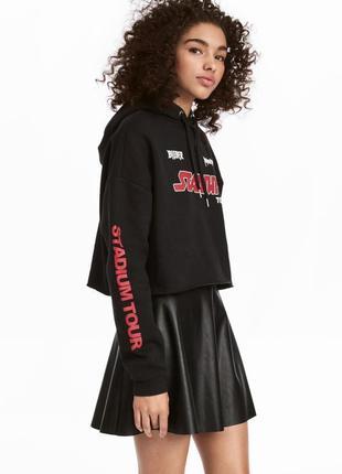 Короткий, черный свитшот с капюшоном h&m, размер 38 h&m.