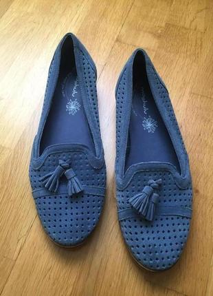 Замшевые туфли балетки clarks