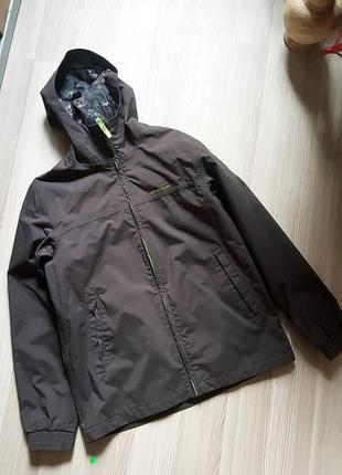 Куртка спортивная quechua  непромокаемая