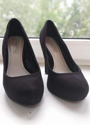 Красивенные туфли на высоком каблуке2 фото