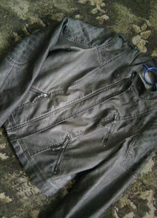 Всегда актуальная демисезонная куртка экокожа