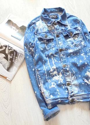 Удлинённая джинсовая куртка джинсовая с надписью джинсовый пиджак длинный