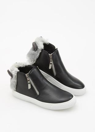 Модные ботинки (кеды) с ушками