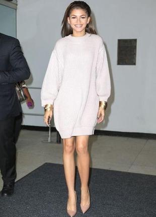 Платье свитер с широкими рукавами