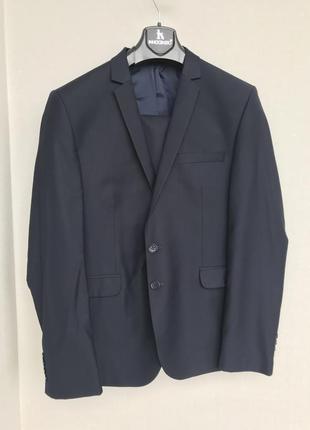 Класичний синій чоловічий костюм 5e132a0240bcc