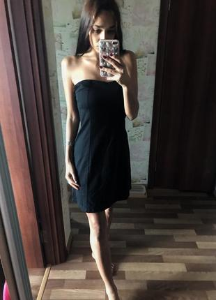 Чёрное мини платье бюстье