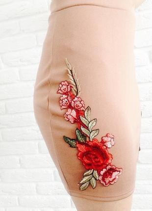 Юбка с аппликацией вышивка цветы missguided