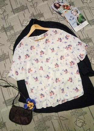 Красивая блуза в стильный принт!размер 18-20