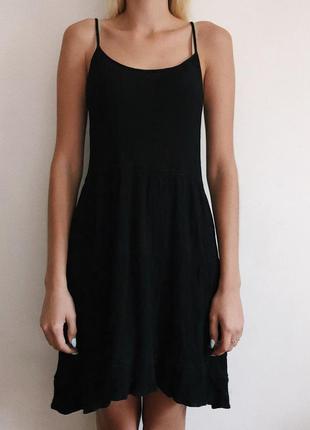 Платье с оригинальной спинкой от h&m
