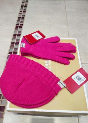 Наборчик фирменные шапка + перчатки от reebok