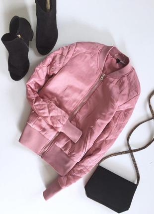 Стильная куртка бомбер с стегаными рукавами от h&m нежно розового цвета