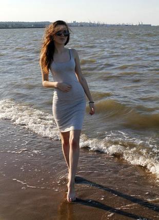 Платье в обтяжку,по фигуре торг!!!