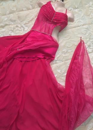 Шикарное вечерние платье из италии