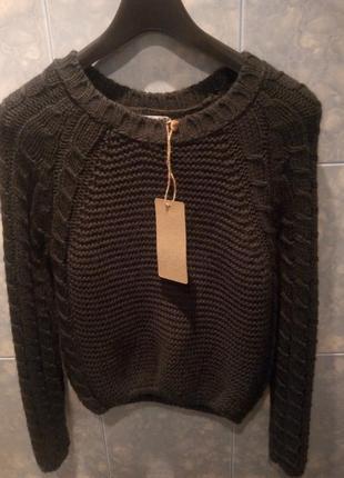 Стильный красивый свитерок свитер кофта