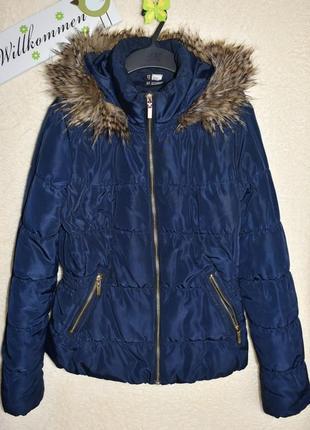 Классная куртка от н&м в идеале.