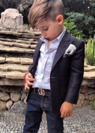 Классический черный пиджак на мальчика на 3-4 года