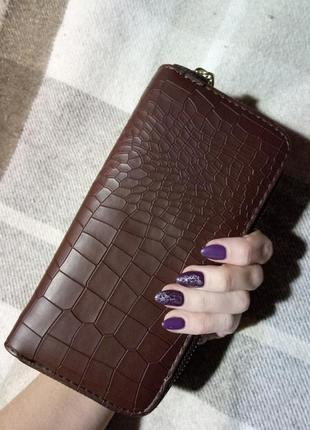Тёмно-коричневый кошелек
