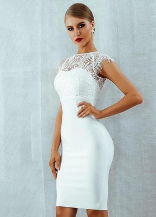 Шикарное нарядное кружевное платье миди футляр белое облегающее herve leger