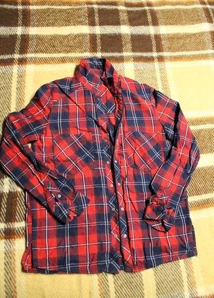 Модная рубашка в клетку bershka