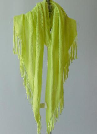 Мягкий ажурный шарф с бахромой terranova