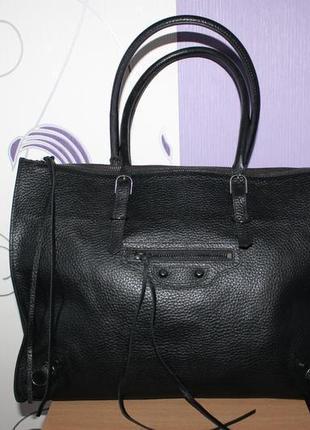Шикарная крутая большая кожаная сумка balenciaga номер италия