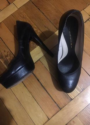 Невероятные fellini туфли