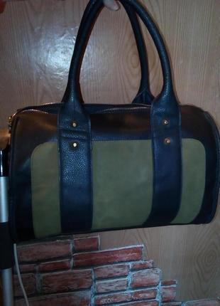 Трендовая сумка-саквояж черная с хаки
