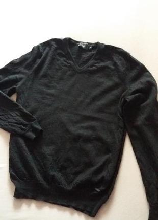 Классный свитер hugo boss р.м-l.100%-шерсть.