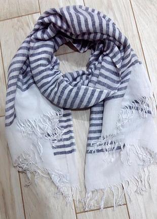 Полосатый палантин-шарф от steffen schraut.