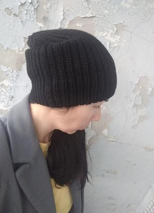 Крутая шапка из шерсти мериноса