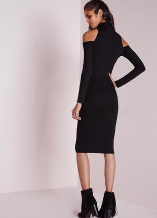 Черное вискозное платье водолазка с вырезами по плечам missguided