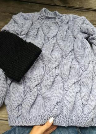 Стильный тёплый и актуальный свитер