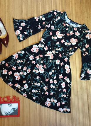 Шикарное трикотажное платье,размер l
