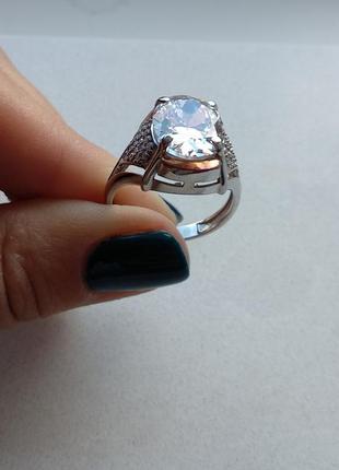 Кольцо с массивным фианитом, серебро 925, золото 375