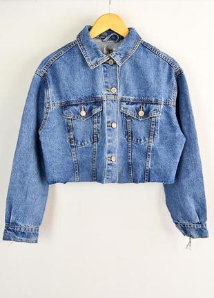 Крутая укороченная джинсовая куртка оверсайз с бахромой bershka denim