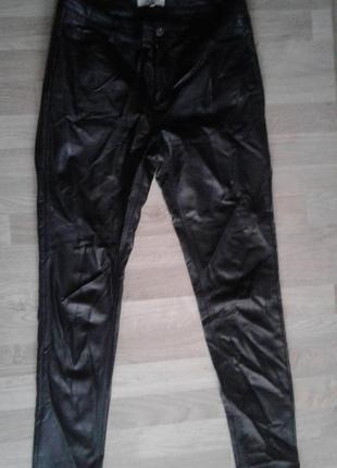 Стильні штани під шкіру