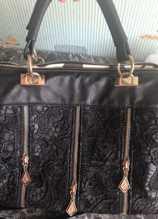 Чёрная элегантная сумка с кружевом