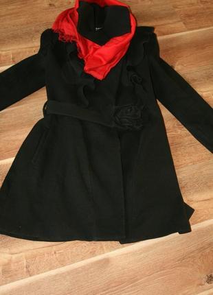 Шикарное элегантное пальто waggon с воланами