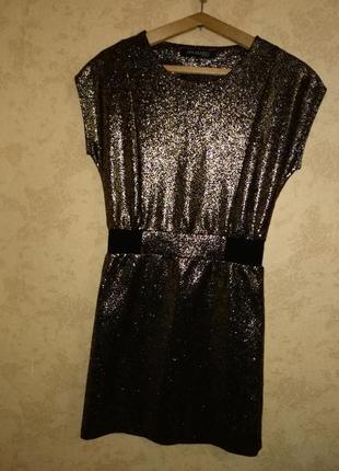 Нарядное платье р. 36
